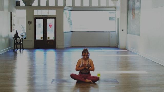 Heat Building Yoga: 30 Minutes