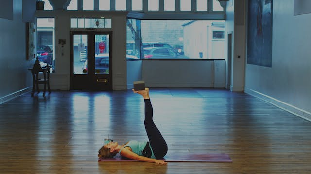Mat Pilates: Slow Deep Burn | Megan |...