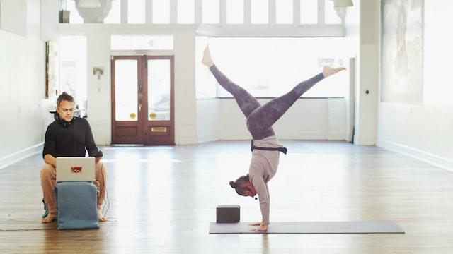 Sunday Service Yoga Flow Live w/Music | Wendy | 2/28