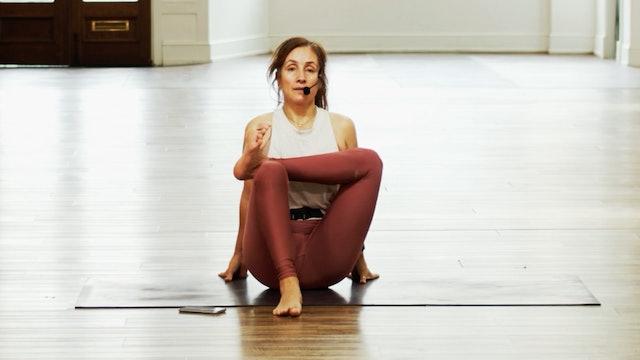 Seated Figure Four | Araceli