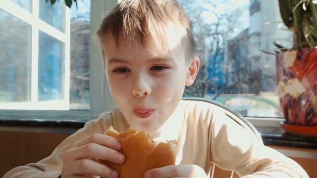 S1-Clip 14 - Es saludable eliminar los carbohidratos de tu dieta - Tips & Consejos