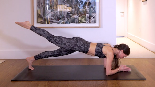 20 Min Lower Body + Abs Focused Flow