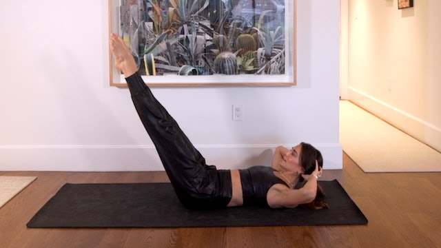 10 Min Ab Focused Flow Using Your Own Body Weight