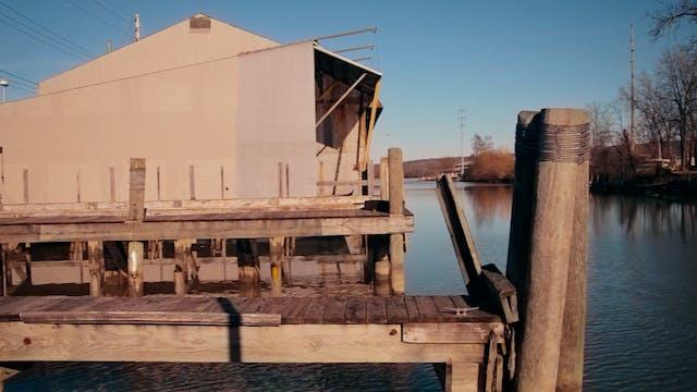 """The Dock""-S3289"