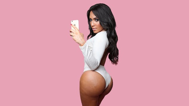 Amazing Kim Kardashian Lookalike Is A...