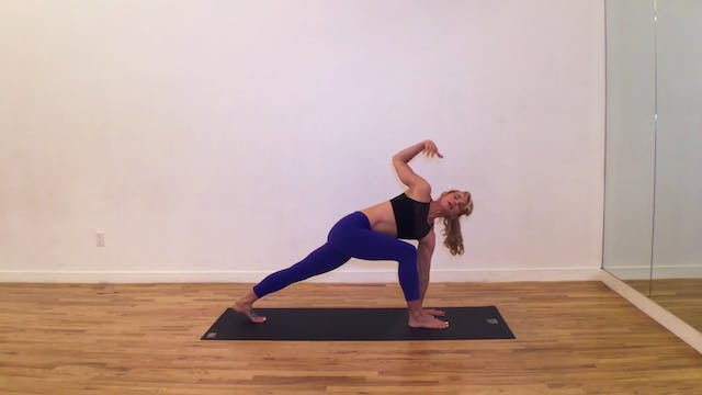 Yoga for Runners Flow with Kiley Holl...
