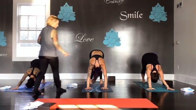 Bend It Yoga Flow with Vanessa Van Noy