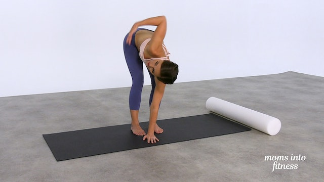 Stretch: tight chest & rounded shoulders