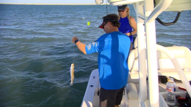 Texas Saltwater Adventure • Fisherman's Handbook