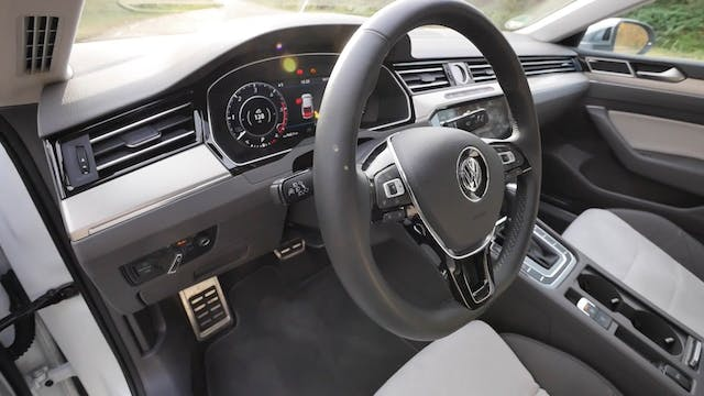 VW Arteon FULL REVIEW Elegance 2018