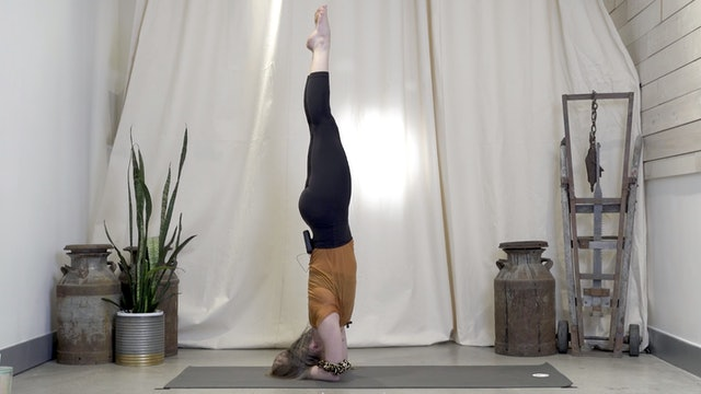 Headstand with Jessica   20 minutes