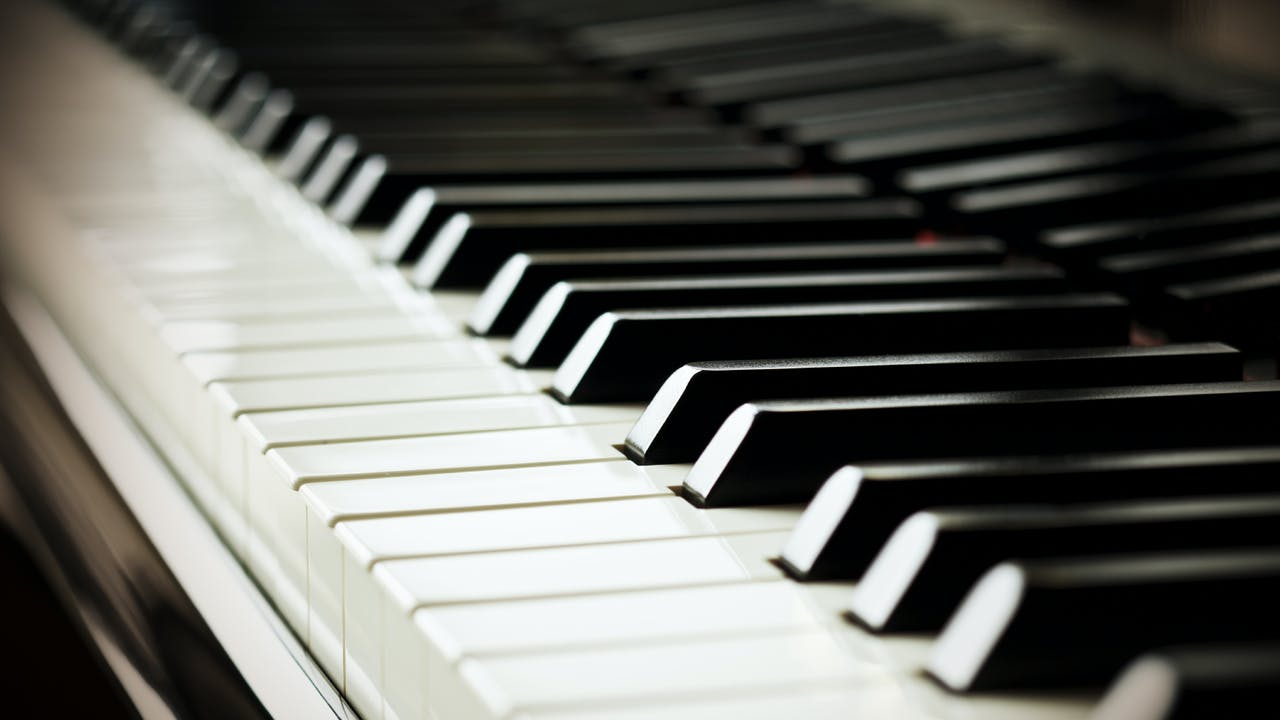 Piano, Lesson 1 - Mental and Physical Familiarization and Acclamation