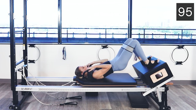 REFORMER - GLUTES & ABS WORKOUT