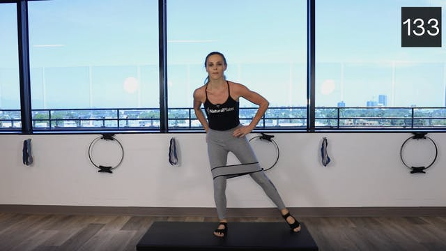 MAT - LEGS & GLUTES USING THE BOOTY B...