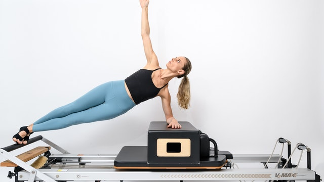 REFORMER - GLUTES & ABS WORKOUTS