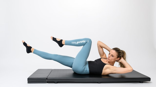 MAT - GLUTES & ABS WORKOUTS