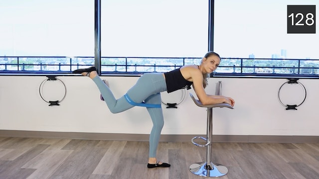 MAT - LEGS AND GLUTES WITH BOOTY BAND