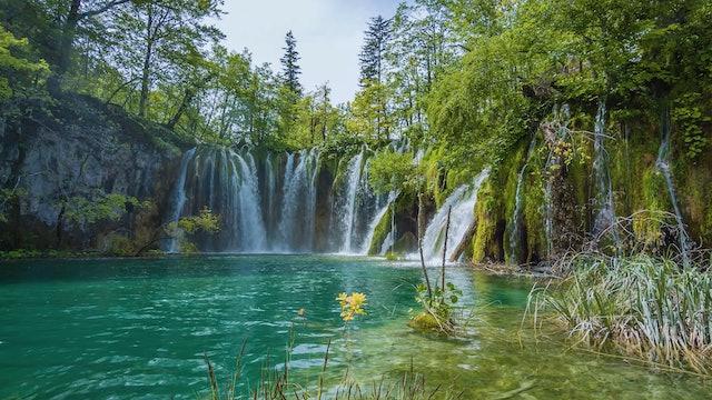 Soothing Croatia Waterfall 1HR Static Scene in 4K