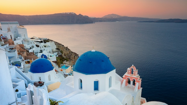 A Day in Santorini [Remastered] + Music 1 HR Signature Dynamic Film 4K