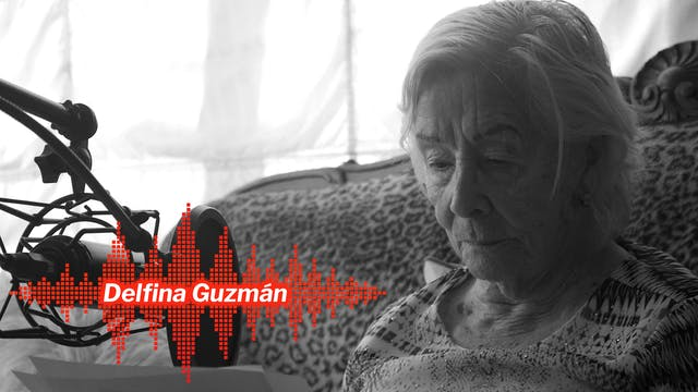 Delfina Guzmán leyendo a Vicente Huid...