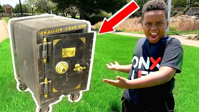 Opening An Abandoned Safe!