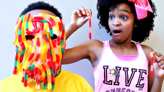 Shiloh's Gummy Face!