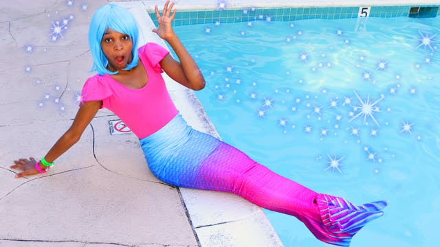 Shasha Turns Into A Mermaid!