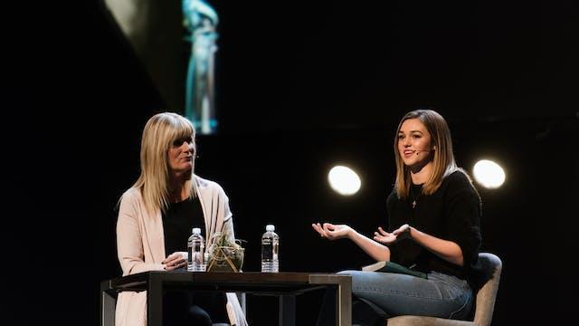 Shelley Giglio + Sadie Robertson Huff...