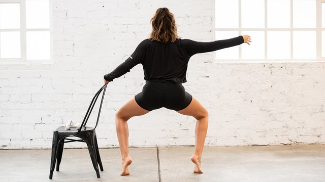 Fri 27/11 6:30am AEST | Barre Burn With Bec