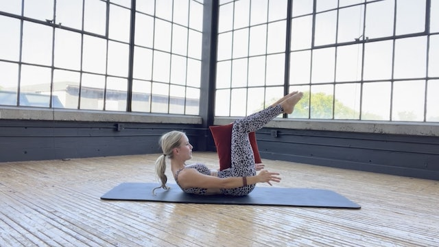 NEW! 25 min Pilates 101 with a pillow