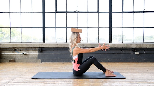 30 min Pilates Body Workout with Toys - Block