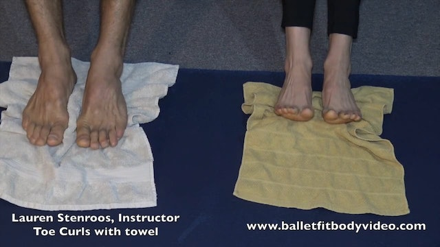 Feet strengthening with towel