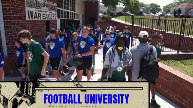 FOOTBALL UNIVERSITY / Erik Richards -  Competing On The College Camp Circuit