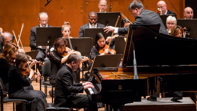 Stephen Hough Plays Beethoven's Emperor