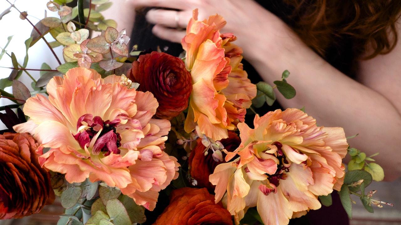 Lesson: Ranunculus Bridal Bouquet
