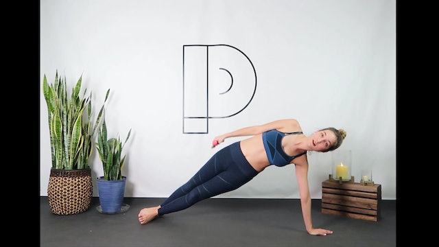 Pilates Burn (25 min) focused on abs and arms Level 2 (need light weights)