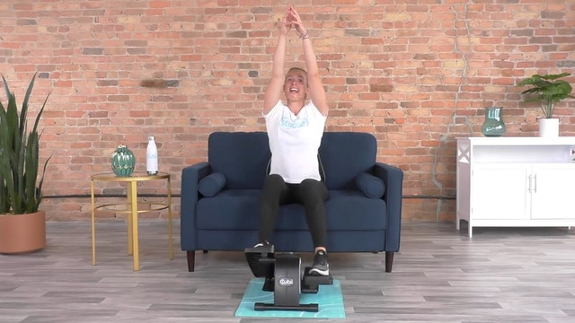 30-Min Cardio Yoga Fusion with Lindsey