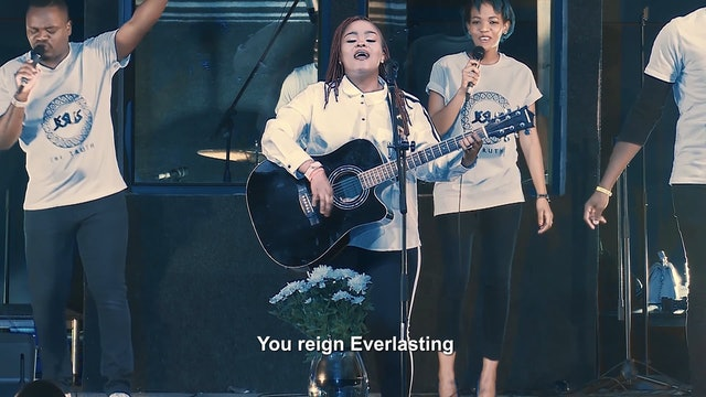 Phummy Shalvah - Everlasting God
