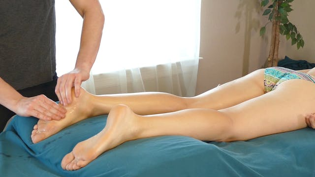 Leg & Glute Massage with Lindsay & Ad...