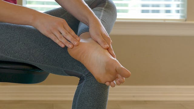 DIY Reflexology: Back Pain Relief (lo...