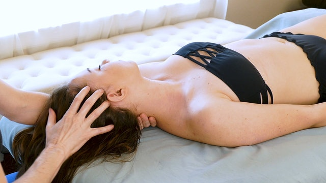 Shoulder & Neck Massage & Extra Tips from Jade