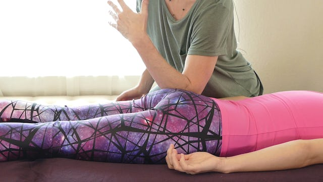 Basic Glutes Massage for Pain Relief from Jade