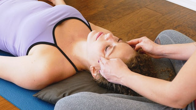 Relaxing Face Massage for Sinus Relief, Melissa