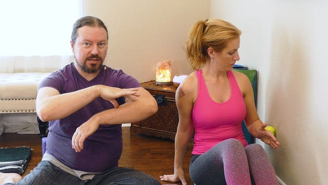 Yoga Massage: DIY Wrist Pain Relief