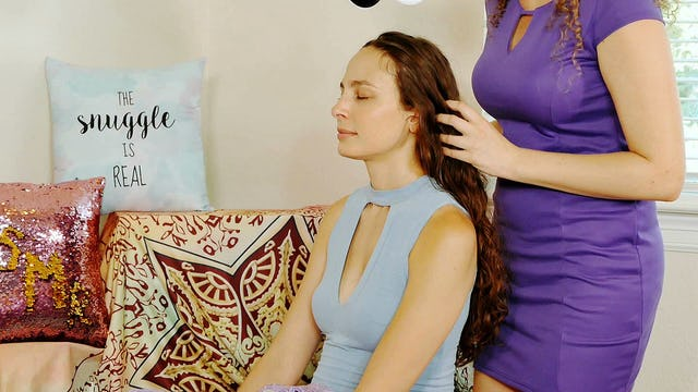 Scalp Massage & Binaural Whispers, Corrina/Melissa