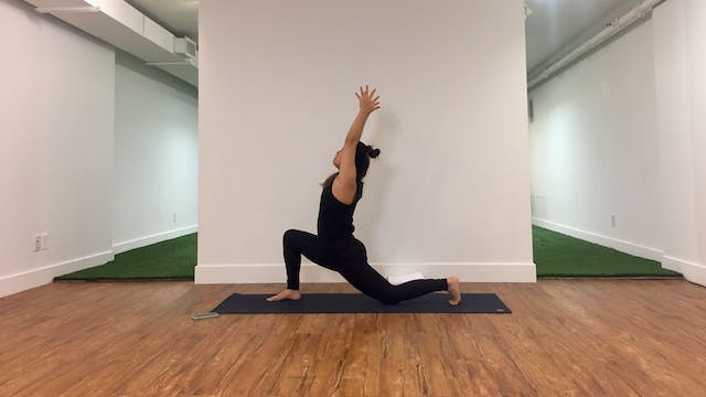 30 Minute Beginner Yoga Flow with Asa...