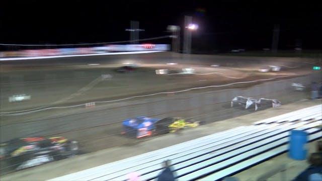 Usra B-mod B Features I-35 Speedway 1...