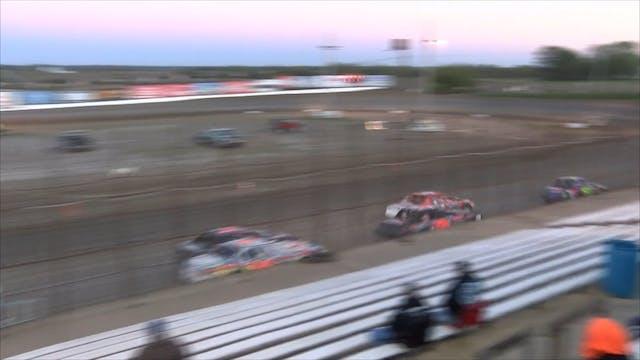 Usra Stock Car Lcq's I-35 Speedway 10...