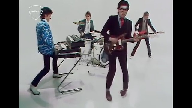 Jukebox Journey: Elvis Costello - Pump It Up