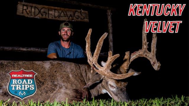 Riley Green Bags a Big Bluegrass Buck...